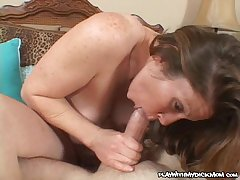 Earthy cougar Keira Kensley pounded with Herculean cock