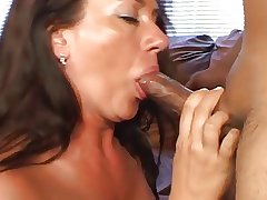 Mature Gets Jizzed On Her Hairy Kidnap