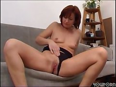 fetching milf lets you see her fuck holes