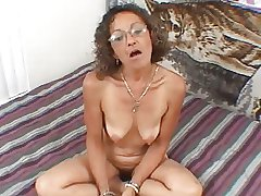 Blue Mature MILF Confectionery Gives A Blowjob