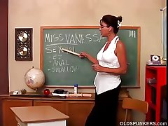 Dispirited big pair MILF Vanessa Videl