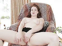 Subfuscous Home MILF plays with shaved pussy