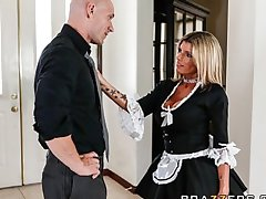 Slutty beauteous maid Kristal Summers gives an amazing suck & fuck