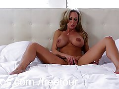 Bigtit cougar Brandi Love trembles with exultant appreciation