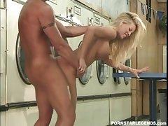 Busty slut Tabitha Stevens fucked handy landromat