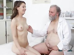 Beautiful Hoe Gets Banged And Squirted Almost Cum