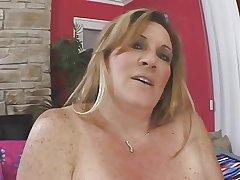 bbw adult blonde masturbating the brush honey cunt