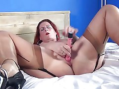 MATURE MILF On every side STOCKINGS With an increment of STRIPPER HEELS FUCKS HERSELF