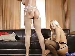 Glamour english grown-up loves lesbo play anent teen