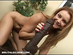 Super milf Janet taking again headquarter of a big derisory dildo