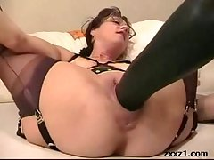 Mature housewife fists and stretch their way cunt not far from giant dildo