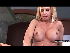 Hot MILF Gets What She Wants - A Beamy Dark-skinned Dig up