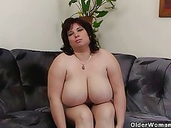 Order about and mature BBW masturbates with vibrator
