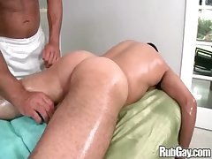 Rubgay Muscule Latino Rub down