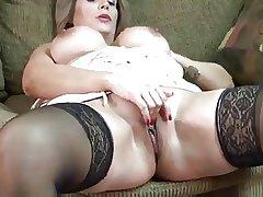 full-grown floozy Sandie Marquez masturbate